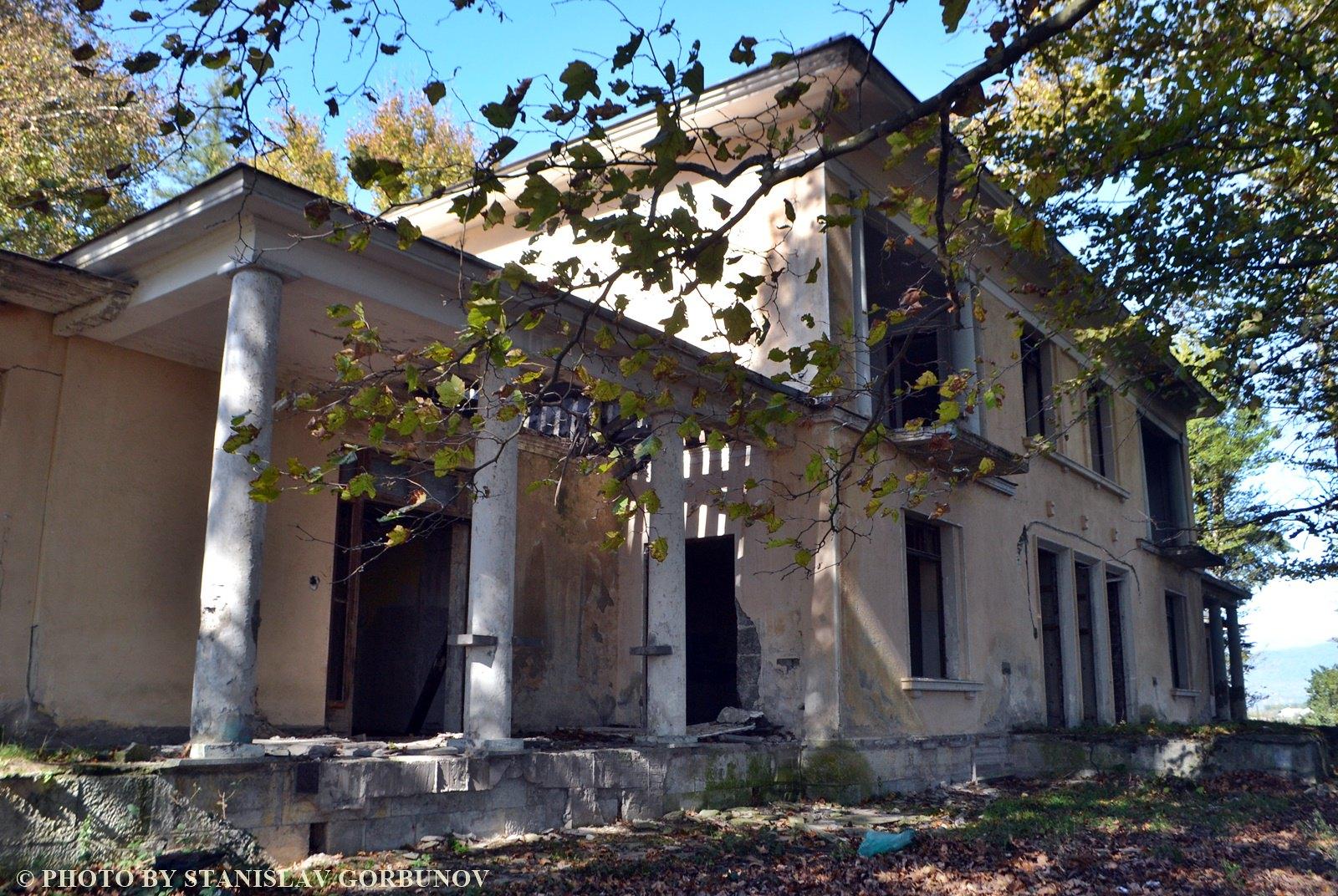 Разруха и забвение. Дача Сталина в грузинском Цхалтубо. stalin09