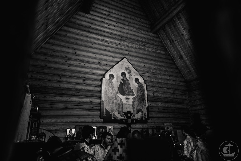 20 декабря 2020, Божественная литургия в храме святых равноапостольных Константина и Елены / 20 December 2020, Divine Liturgy in the Church of Saint Constantine and Helena