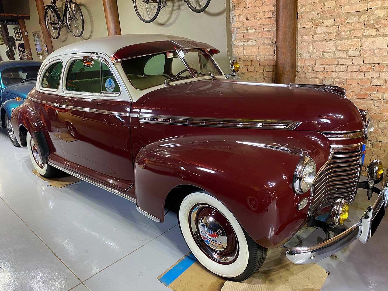 Chevrolet 1941 Coupe Vinho