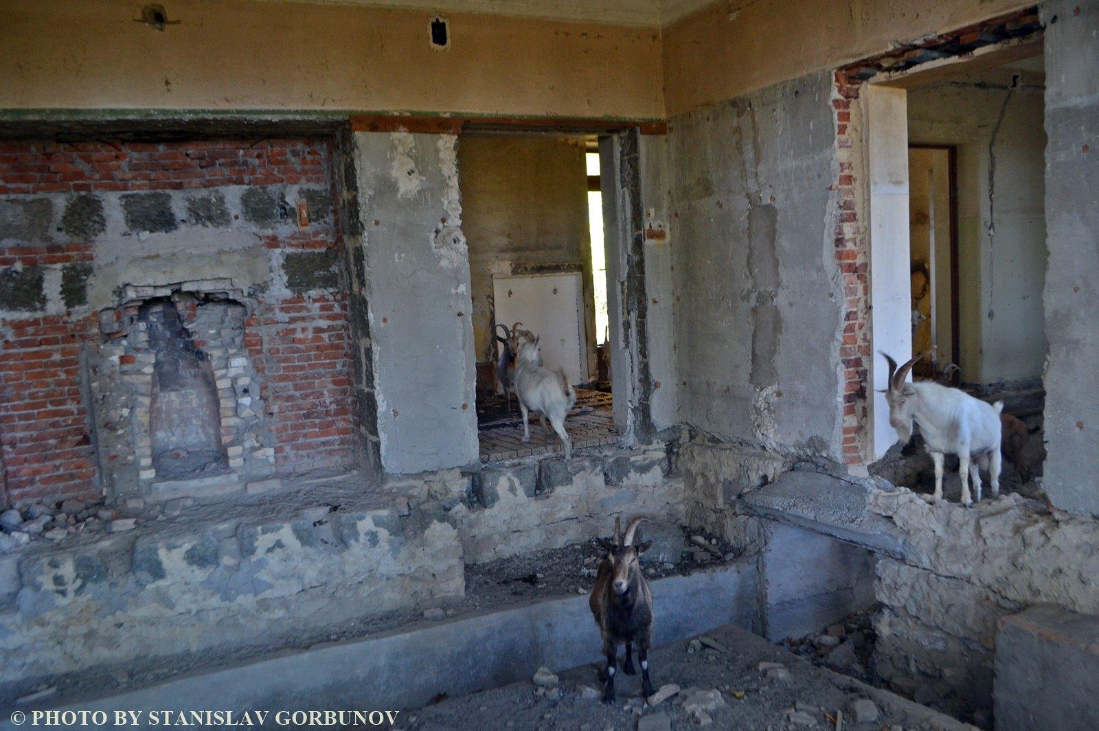 Разруха и забвение. Дача Сталина в грузинском Цхалтубо. stalin07