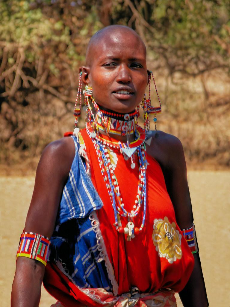 Fierté Masaï... la version couleur 50740611901_25d103fee7_b