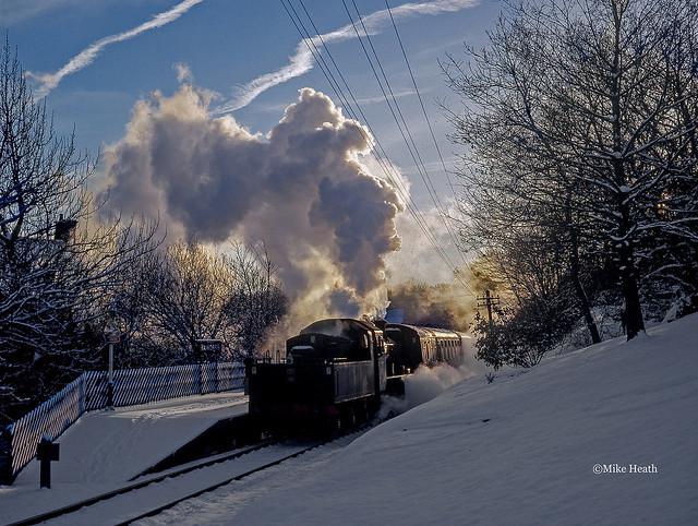 78022 (4) - Keighley & Worth Valley Railway - 29 December 2000- (Scanned slide)