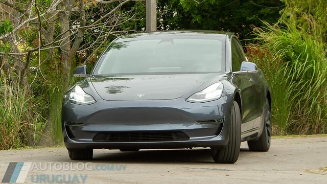 Prueba Tesla Model 3 Standard Range Plus Rear-Wheel Drive (50 kWh)