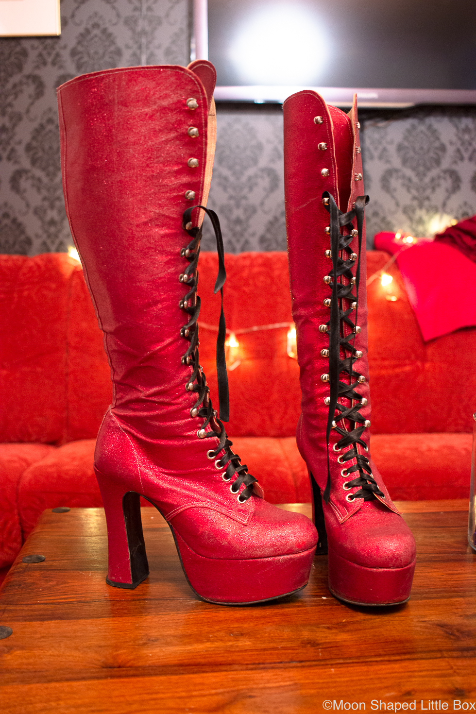 Fantasy-shoes-red-glitter-boots