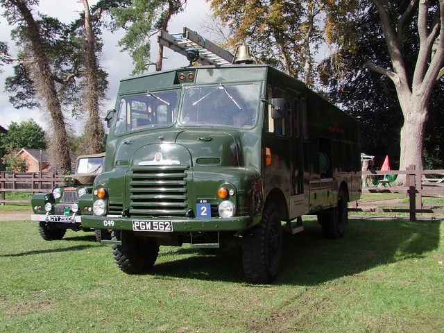 1956 'green goddess' Bedford auxiliary fire engine (PGW 562) at Bressingham 31-08-2020