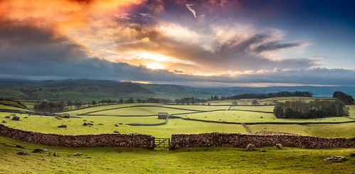 austwick northyorkshiredales barn dawn sunrise norber craven landscape countryside hideous sky gorgeoussky
