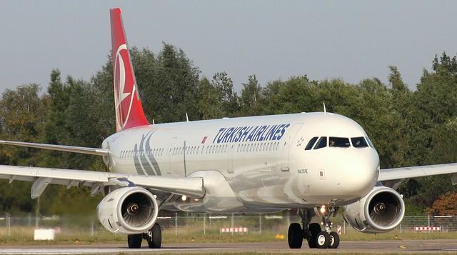Turkish Airlines, TC-JRZ, MSN 5118, Airbus A 321-231, 03.10.2013, HAM-EDDH, Hamburg