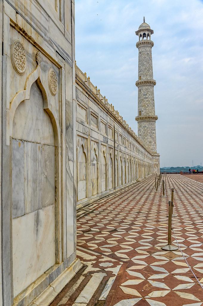 Taj Mahal - India - 0755