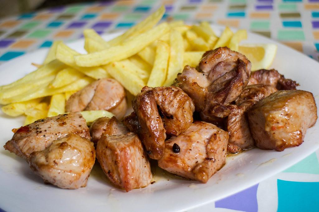 Plato de carne fiesta en el Guachinche Los Dornajos