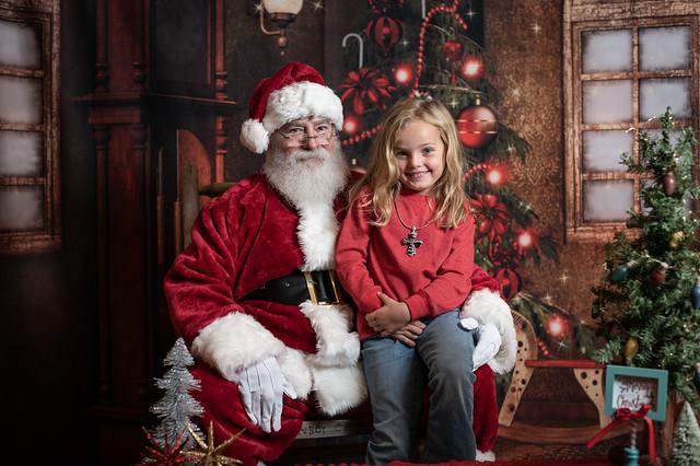 Red Barn Santa 2020