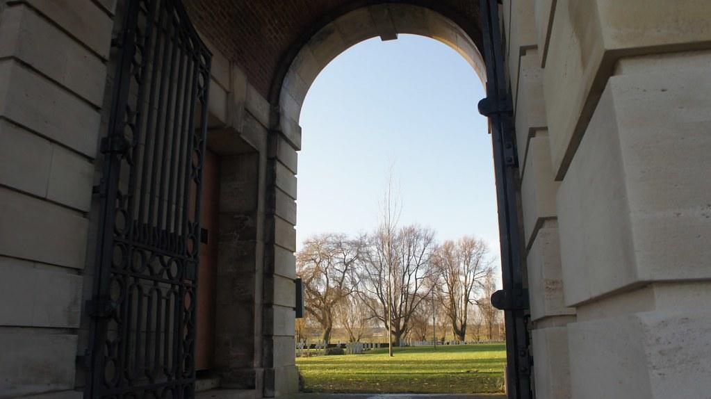 Puerta de entrada al cementerio