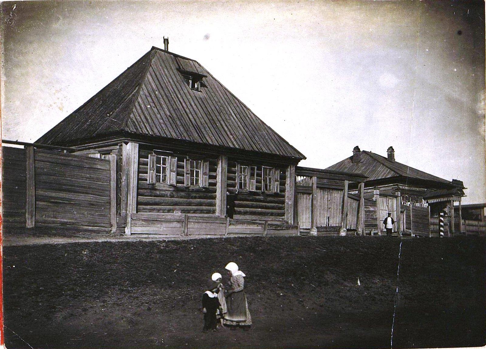 32. Дом сибирского крестьянина и почтовая станция в селе близ Иркутска