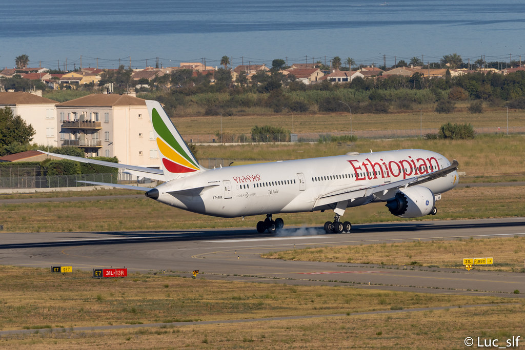 Boeing 787-9 Dreamliner Ethiopian Airlines // ET-AXK