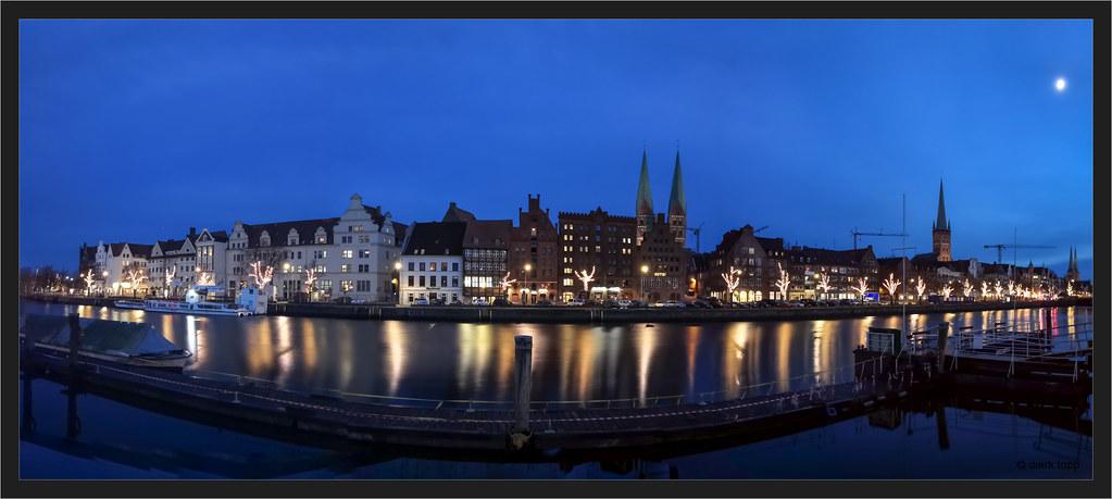 Lübeck, 32 sec. long exposure with smartphone