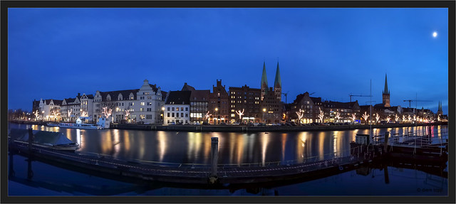 Lübeck, 32 sec. long exposure with smartphone