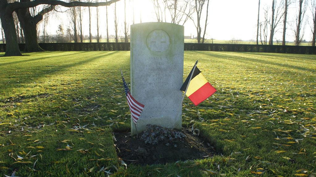 La tumba del soldado Harry A. King, ejército de los Estados Unidos