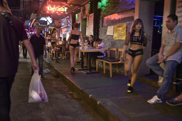 Chicas y neones
