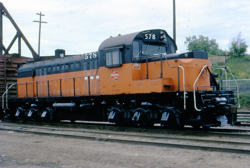 578 works the North La Crosse yard