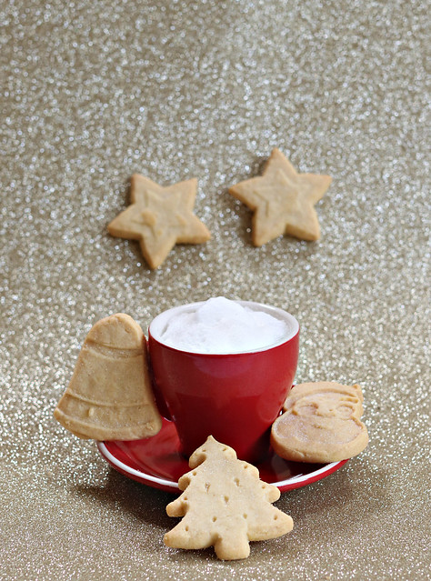2020: Coffee + Christmas Shortbread Biscuits