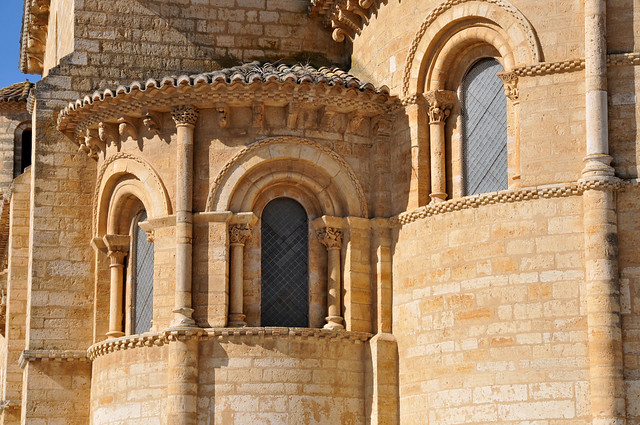 FRÓMISTA - Romanesque from XI Century
