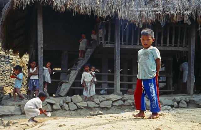 Tinglayan, Kalinga Village, curious kids