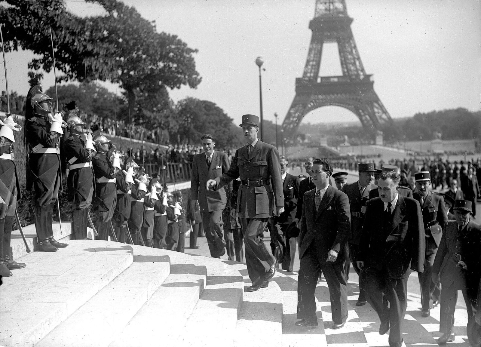 1944. Шарль де Голль в Париже. 26 августа