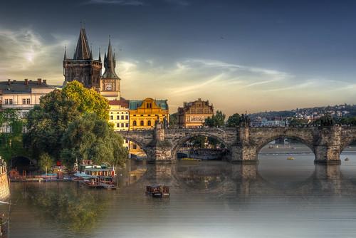 praga prague puente puentedecarlos moldava rio river riomoldava atardecer sunset sky light