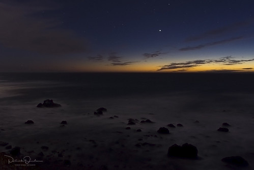jupiter saturn convergence star thechristmasstar twilight sunset dusk clouds ocean pacificocean bodegabayca sonomacoast sonomacoaststatebeach californiastateparks salmoncreekbeach sonomacounty northcoast northerncalifornia california