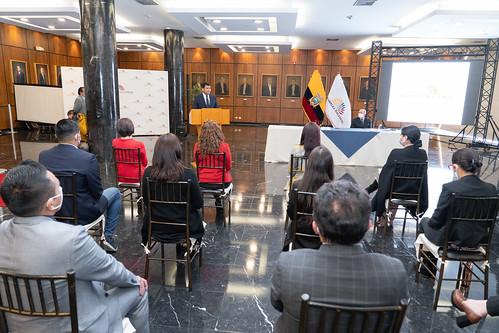 PRESIDENTE DE LA ASAMBLEA NACIONAL, CÉSAR LITARDO FIRMÓ CONVENIO CONJUNTAMENTE CON EL CANCILLER LUIS GALLEGOS PARA LA REALIZACIÓN DE CURSOS DE CAPACITACIÓN. QUITO, 22 DE DICIEMBRE 2020.