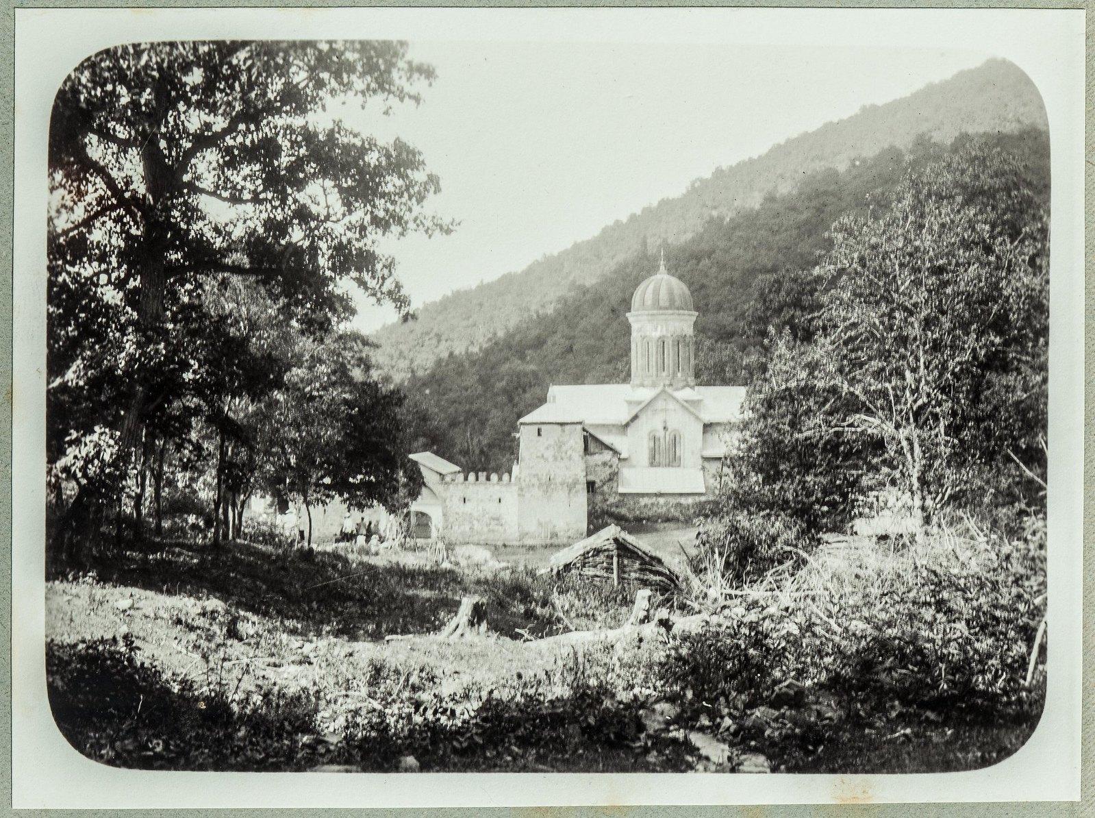 22. Церковь в горах