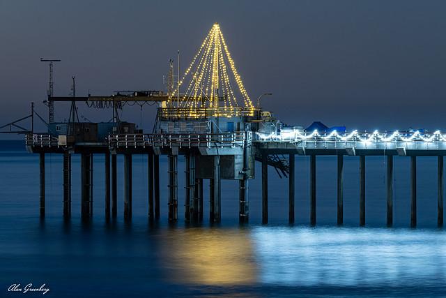 Scripps Pier Christmas