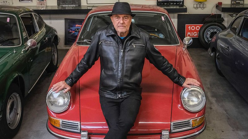 80-year-old-buys-80th-porsche (1)