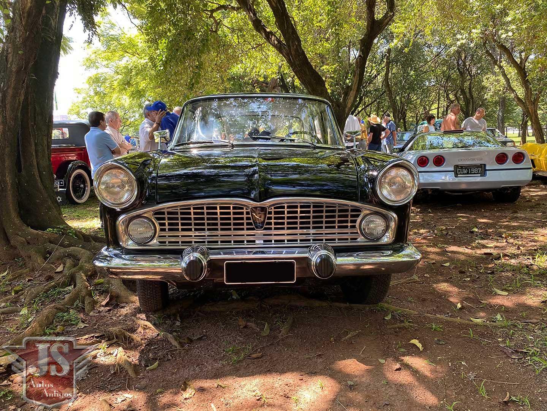 Simca 1966 Chambord Preta