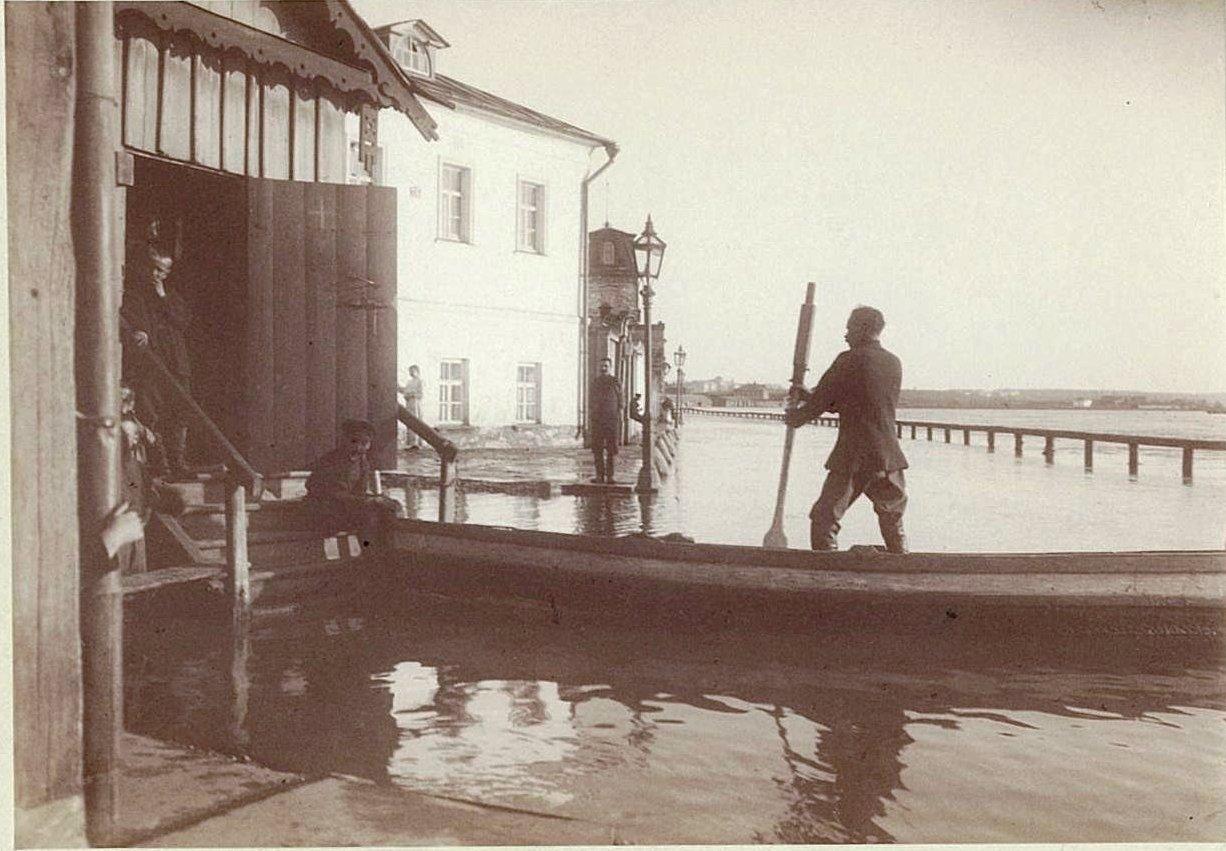 Наводнение 15-17 апреля 1895 года в Москве. Набережная