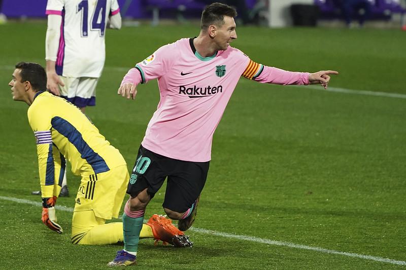 Lionel Messi(右)創紀錄後慶祝。(達志影像)