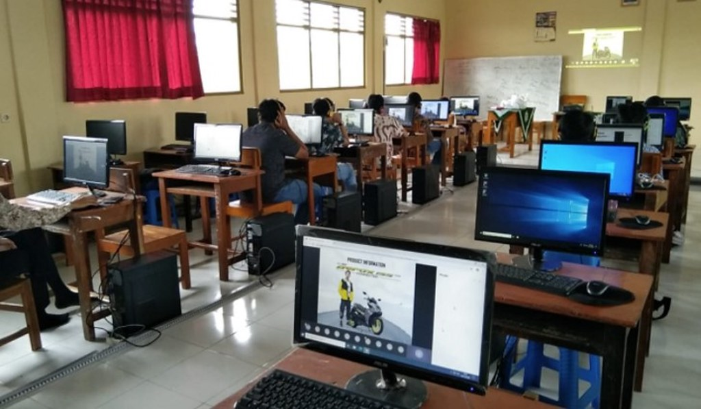 Webinar Edukasi Safety Riding On Road SMK Binaan Yamaha se-Jawa Tengah & Yogyakarta