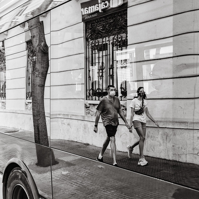 street life in reflection (2)