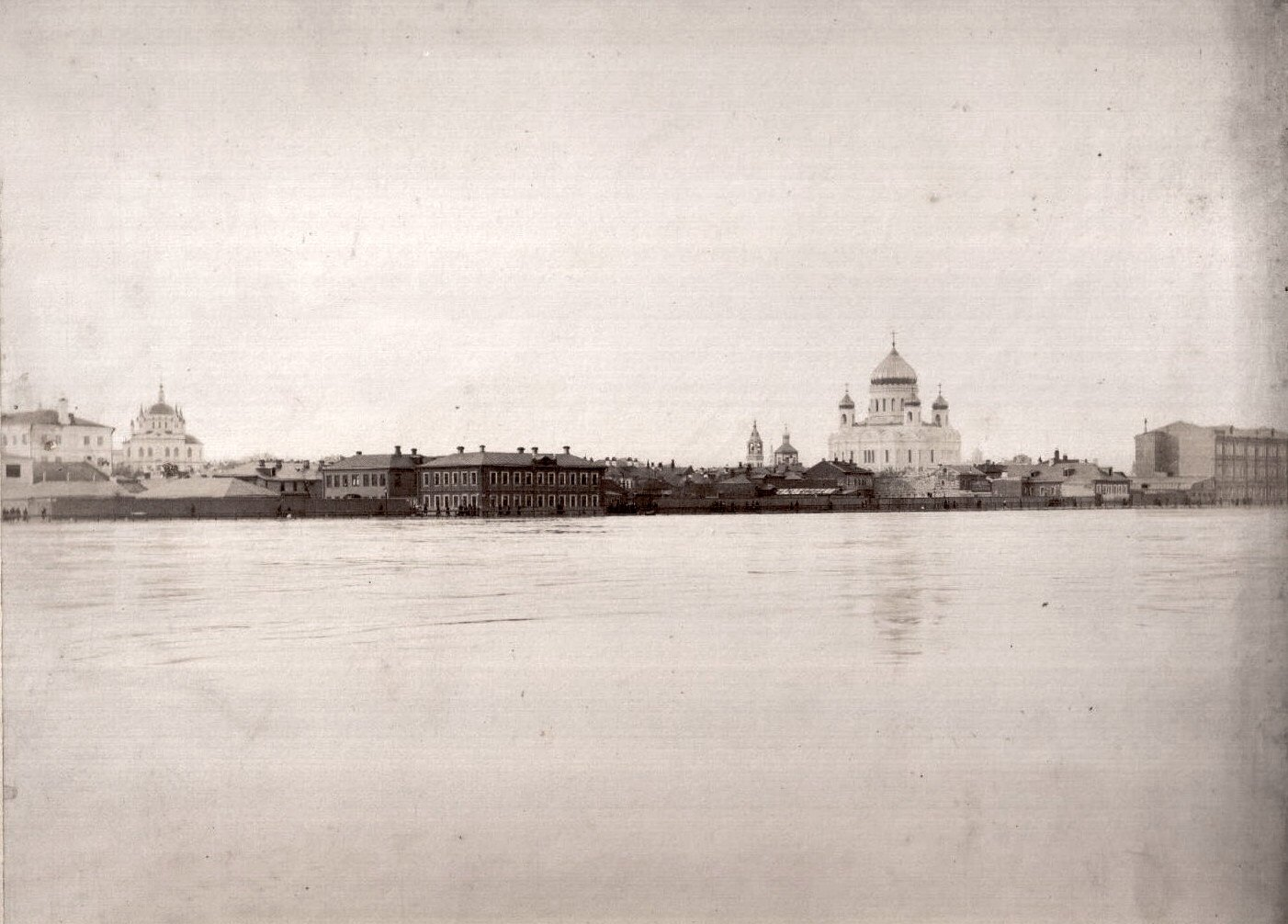 Наводнение 15-17 апреля 1895 года в Москве. Вид на храм Христа Спасителя
