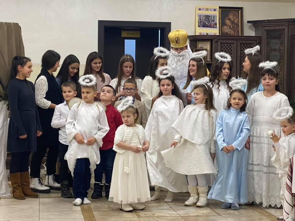 Ucrania - Fiesta de San Nicolás en el Hogar