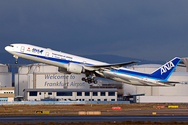 ANA - All Nippon Airways Boeing 777-381(ER) JA796A FRA 13-12-20