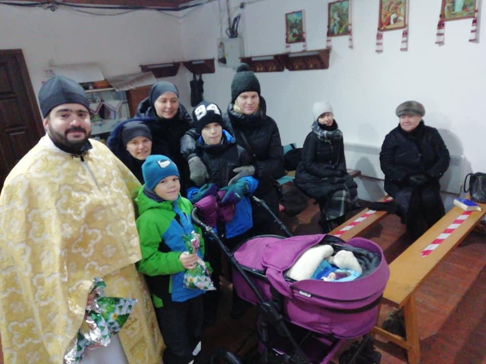 Rusia - Fiesta de San Nicolás en la Parroquia griego-católica en Omsk