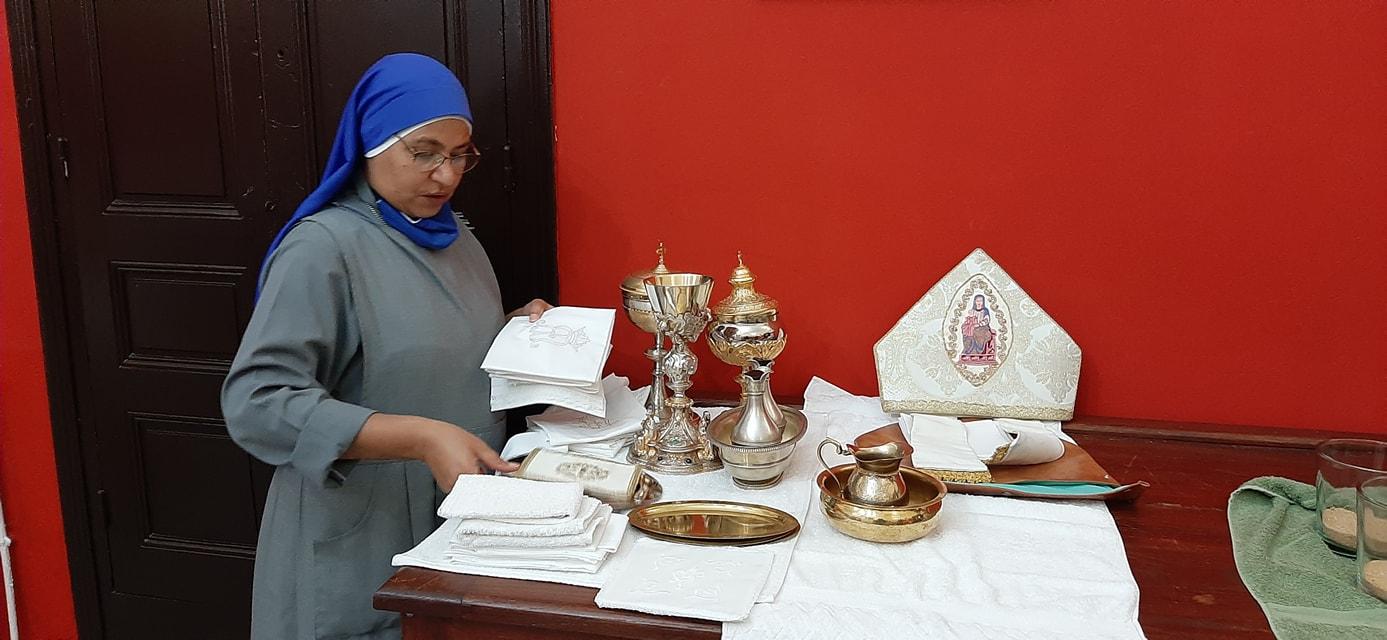 Túnez – Preparación de la Navidad en la Catedral