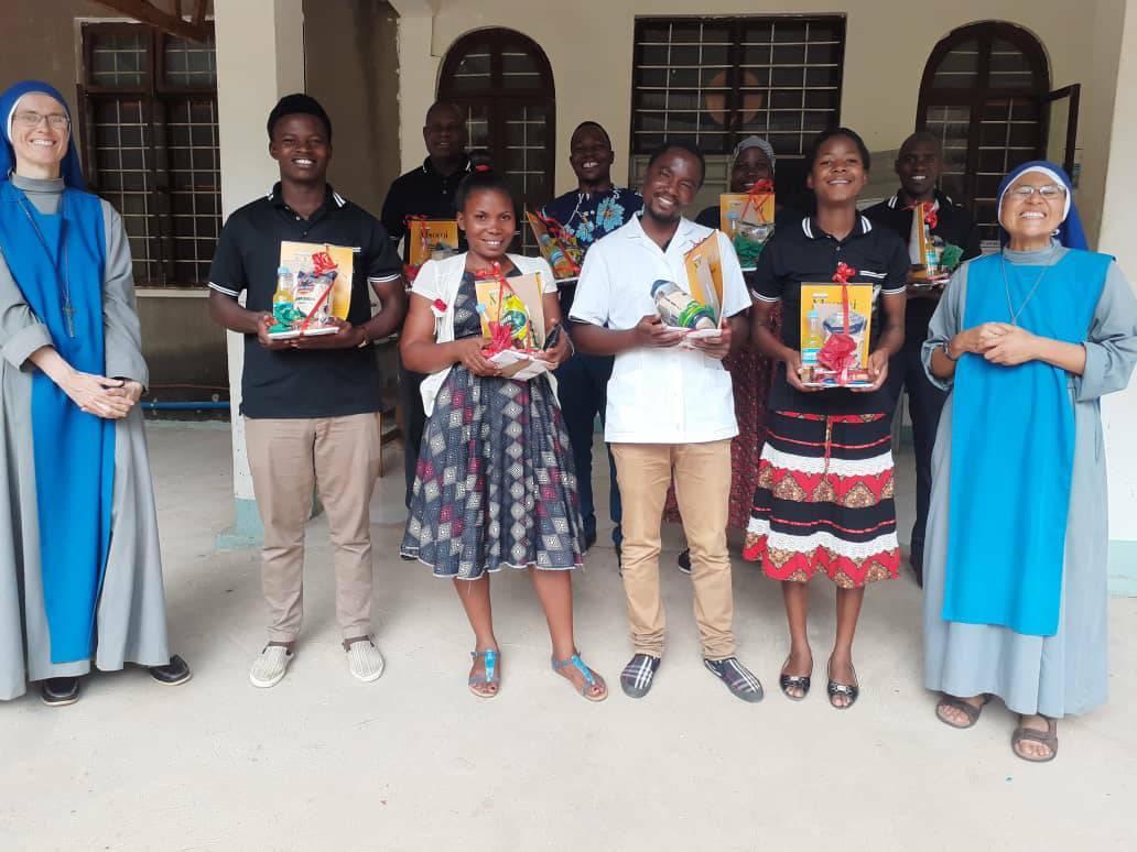 Tanzania - Fiesta de Navidad en el Dispensario San Bernardo