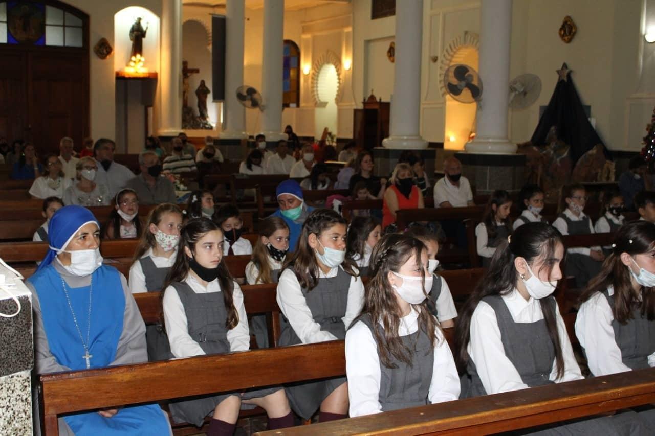 Argentina - Acto de fin de año en Isabel la Católica de Villa Mercedes