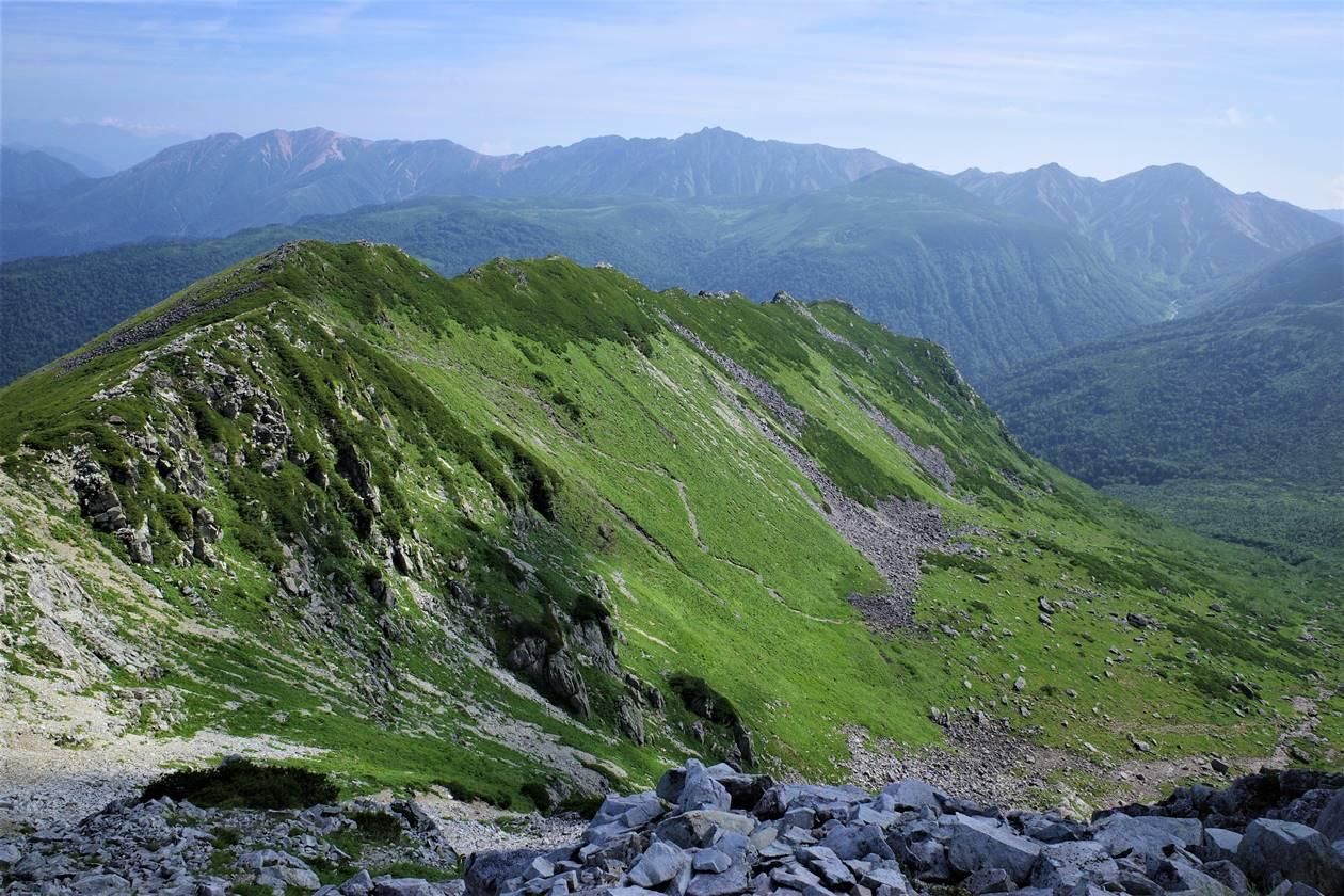 【北アルプス】黒部五郎岳山頂から眺めるカール