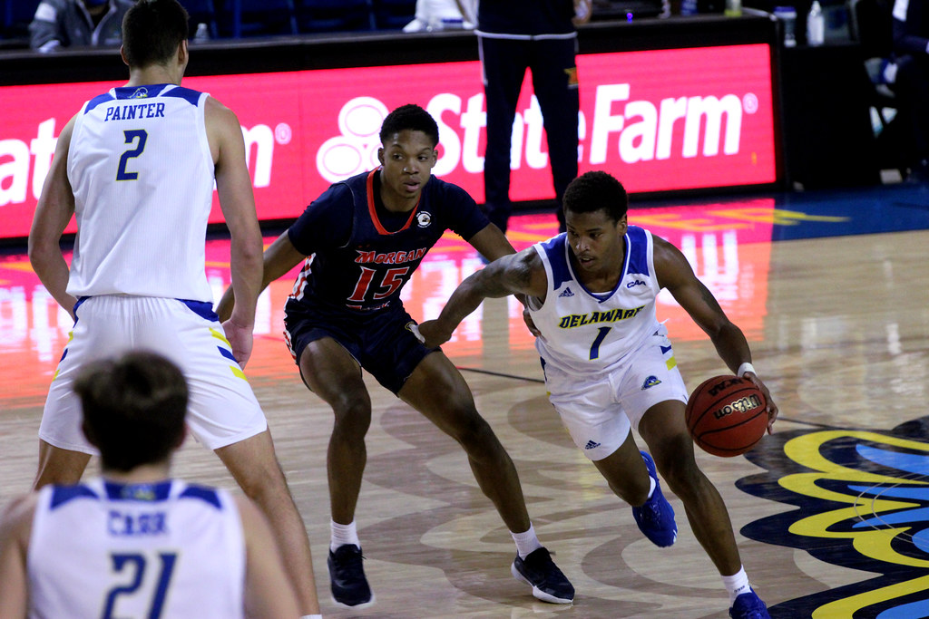 Men's basketball finishes off non-conference play in 65-59 defeat