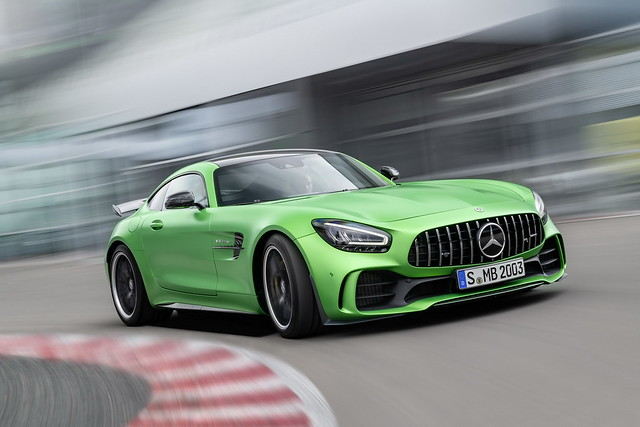 53860ae2-2020-mercedes-amg-gt-and-amg-gt-r-pro-15