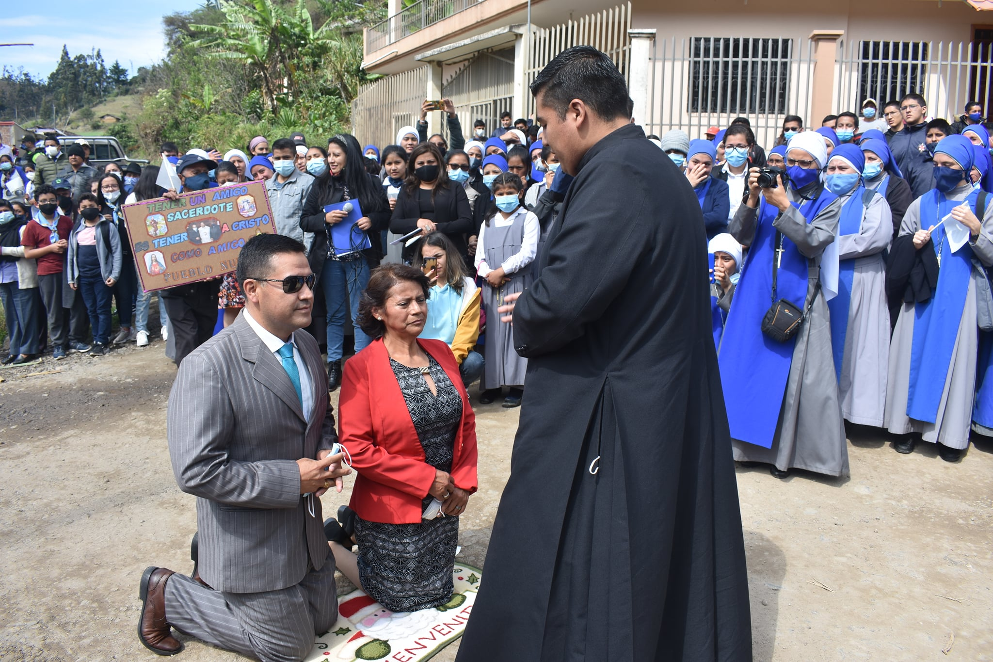 Ecuador - Primera Misa del P. Víctor en la Parroquia de Zamora Huayco y Taquil