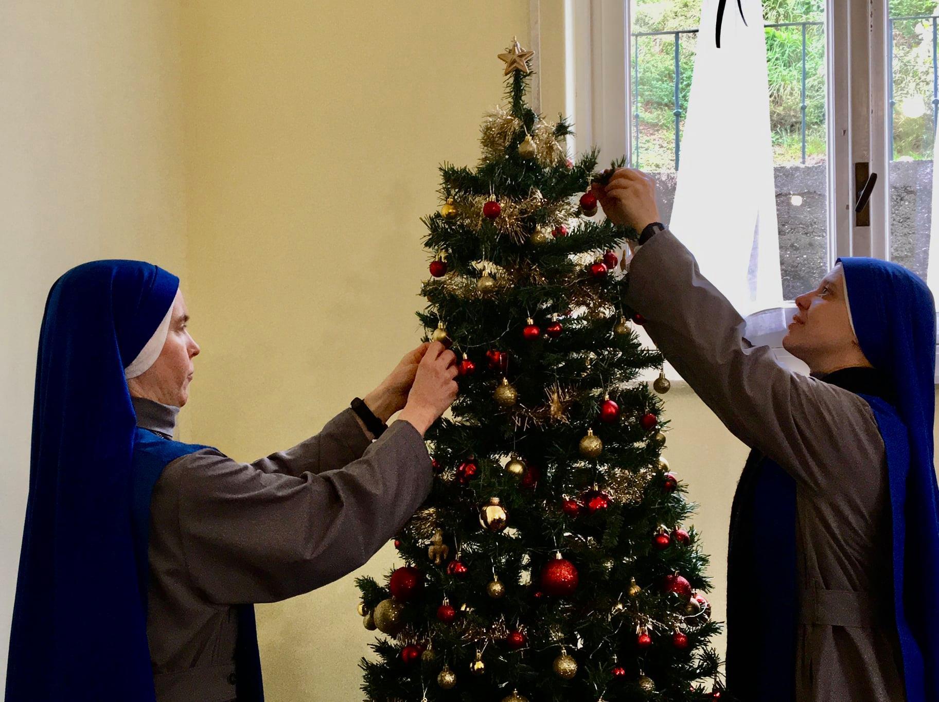 Italia - Preparando la Navidad en el Monasterio de Genova
