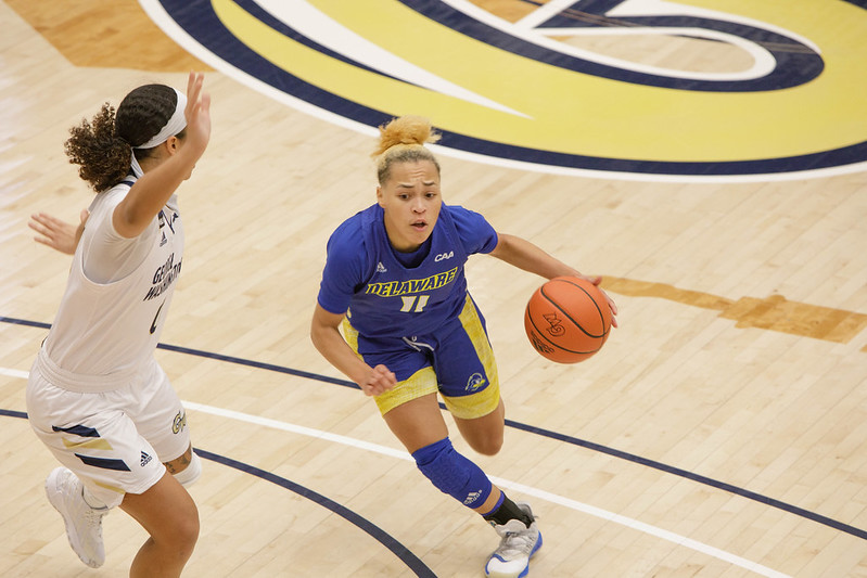 Delaware falls to 3-1 after hard-fought loss versus George Washington 61-56